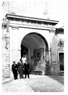 Piazza Sibilla...Arco dell'orologio