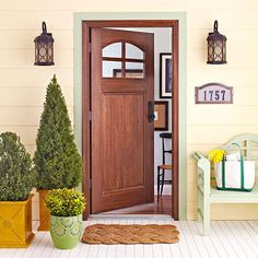 porches sheds outdoor spaces Charming Exterior Touches-now it is time to work on the front of my house! Small Front Porches, Front Porch Design, Front Entry, Entry Doors, Front Doors, Agaves, Veranda Design, Halls, Ideas Hogar