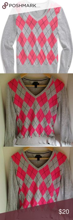"""Tommy HIlfiger Argyle 100%Cotton Sweater Size M Pre-Loved but looks like new. Tommy Hilfiger Argyle Women's Sweater. 100% Cotton. Size M. Approx 17"""" from armpit to armpit. Approx 22"""" in length from shoulder to hem. V neck style. Tommy Hilfiger Sweaters V-Necks"""