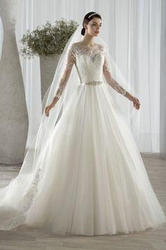 Robe de mariée Demetrios : Des robes de mariée de princesse pour briller…