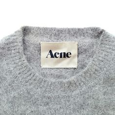 """Back acne is also popularly known as """"Bacne"""". There are natural ways on how to get rid of back acne that can bring back the beauty of your skin. Ästhetisches Design, Label Design, Clothing Labels, Textiles, Fashion Labels, Mode Outfits, Fashion Branding, Fashion Details, Net Fashion"""