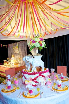 Circus Themed Wedding - Fearon May Events Carnival Themed Party, Circus Theme, Circus Party, Circus Birthday, Carnival Decorations, Carnival Themes, Carnival Costumes, Alternative Wedding Decorations, Wedding Themes