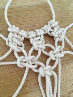 Nœud plat pour photophore Crochet Necklace, Creations, Diy, Bracelets, Jewelry, Reef Knot, Jar Candle, Home, Jewlery