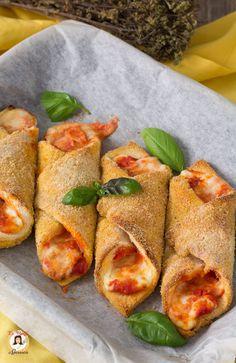 15 minutes · Makes 10 · Antipasto, Love Eat, Love Food, Cannoli, Mozzarella, Food Photo, Street Food, Finger Foods, Food Inspiration
