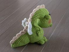 http://www.lanukas.com/2014/04/un-dragon-para-la-diada-de-sant-jordi.html
