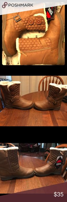 Totes women's Circle Tan waterproof boots size 7 Brand new never worn with the original box and tags. They are very nice! Totes Shoes Winter & Rain Boots