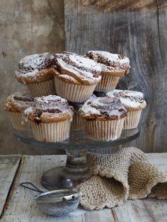 Deilige kanelsnurrer uten gjær Muffin, Sweets, Bread, Baking, Breakfast, Desserts, Recipes, Food, Cakes
