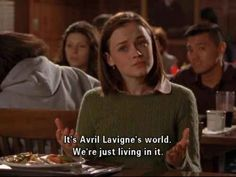 """When she spread the truth on campus: The 25 Best Lines From Rory Gilmore On """"Gilmore Girls"""" Estilo Rory Gilmore, Lorelai Gilmore, Rory Gilmore Hair, Series Quotes, Film Quotes, Quotes Quotes, Babette Ate Oatmeal, Gilmore Girls Quotes, Glimore Girls"""