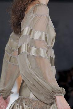 Alberta Ferretti Spring 2011 - Details