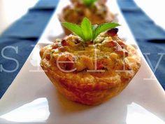 MIGNONMANIA – piccole torte salate di verdura con ricotta mista, cumino e menta Vai alla ricetta: http://slelly.blogspot.it/2014/08/mignonmania-piccole-torte-salate-di.html