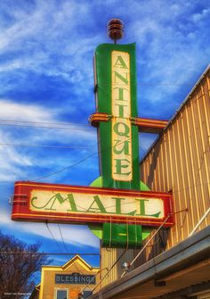 https://flic.kr/p/E4W58R | Antique Mall | The Antique Mall in Guthrie, Oklahoma.
