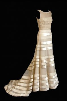 If I had unlimited resources and could get married all over again, I'd wear this.