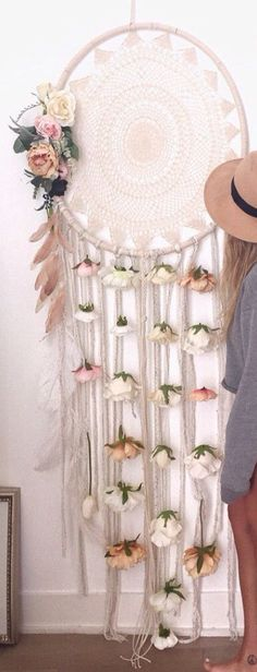 This is such a cool dream catcher and it's huge!!!