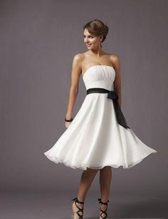 Beautiful dress - these just might be the dress my friend picks for her wedding!! I hope to being wearing it!