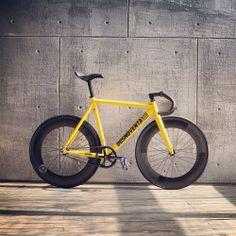 Bmx, Bici Fixed, Fixed Gear Bicycle, Bike Rider, Bike Style, Bike Art, Bicycle Design, Vintage Bicycles, Road Bike
