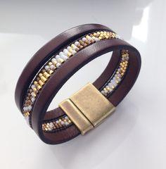 Bracelet en cuir et tissage de perles, fait-main
