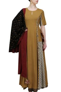 #perniaspopupshop #natashaj #ethnic #clothing #shopnow #happyshopping