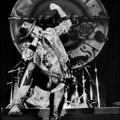 # Guns N Roses # On Stage # Axl Rose