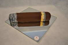 Cigar cake Beautiful Cakes, Amazing Cakes, Cigar Cake, Event Ideas, Party Ideas, August Birthday, Cake Party, Daily Thoughts, Cake Designs
