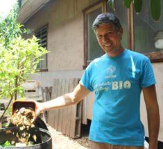 """Le compostage, LA solution """"magique"""" pour réduire ses déchets de 2/3 Faire Son Compost, Solution, Mens Tops, T Shirt, Liquid Fertilizer, Composters, Egg Shell, Magic, Tee"""