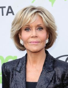 Jane Fonda Photos - Actress Jane Fonda attends the Annual Environmental Media Association Honors Benefit Gala at a private residence on June 2018 in Los Angeles, California. Stacked Bob Hairstyles, Bob Hairstyles For Fine Hair, Hairstyles Over 50, Short Hairstyles For Women, Cool Hairstyles, Haircuts For Over 60, Hairstyles 2018, Short Hair With Layers, Short Hair Cuts For Women