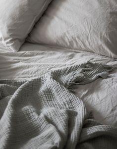 Hay 'Crinkle' bedspread grey
