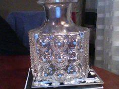 Vas gjord av PO ström. diametern är 16 cm och höjden är 22 cm.