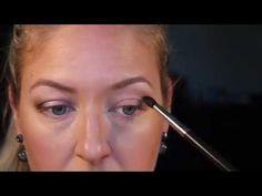 5 trucs à faire/ne pas faire pour paupières tombantes - YouTube Make Up, Youtube, Makeup Stuff, Hairstyles, Droopy Eyelids Makeup, Manicure Tips, Maquillaje, Makeup, Youtubers
