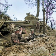 Infantry supported by tanks in Italy 1944