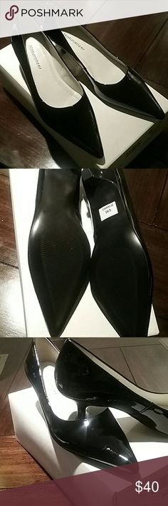 Naturalizer, Black Patent Leather, size 5 ,NWOT Black Patent leather, size 5, real leather, kitten heels Naturalizer Shoes Heels