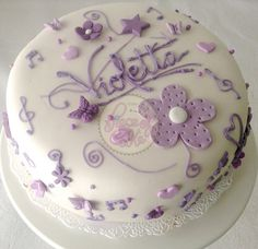 Torta Violetta en fondant by Piece of Cake - Cupcakes!, via Flickr