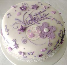 Torta Violetta en fondant by Piece of Cake - Cupcakes!, via Flickr