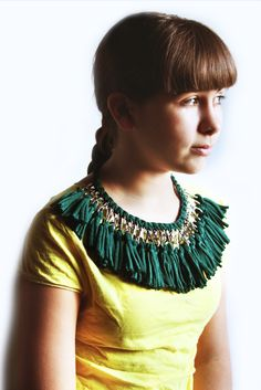 Make a tassel necklace with key chain clips and recycled T-shirt yarn