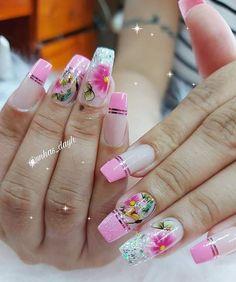 """CURSOS   INSPIRAÇÕES   DICAS no Instagram: """"Lindo Trabalho dessa Profissional! 🥰👏🏻👏🏻👏🏻 {Créditos na foto} ⠀⠀⠀⠀⠀⠀⠀⠀⠀ Quer pegar umas dicas de MANICURES GRÁTIS? 😍 Venha participar do nosso…"""" Manicures, Pink Nails, Girly, Wallpapers, Instagram, Tips, Nail Salons, Women's, Girly Girl"""