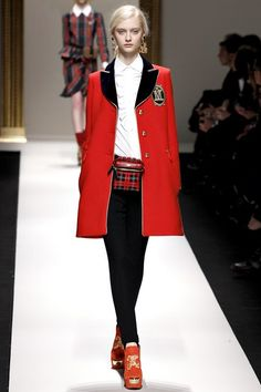 Moschino - www.vogue.co.uk/fashion/autumn-winter-2013/ready-to-wear/moschino/full-length-photos/gallery/938222