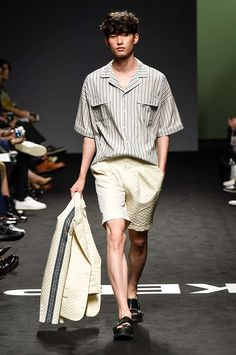 Male Fashion Trends: Munsoo Kwon Spring-Summer 2017 - Seoul Fashion Week