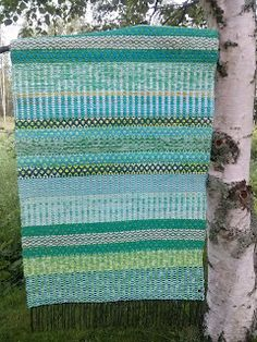 Kekkeri-räsymatto Fabric Rug, Recycled Fabric, Woven Rug, Scandinavian Style, Hand Weaving, Loom Weaving, Color Inspiration, Pattern Design, Craft Projects