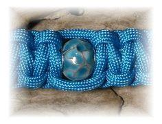Beaded Paracord Bracelet van ForgottenGlass op Etsy