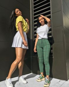 Love the green pants outfit Dope Outfits, Trendy Outfits, Summer Outfits, Girl Outfits, Fashion Outfits, Womens Fashion, Black Girls Outfits, Fashion Killa, Look Fashion