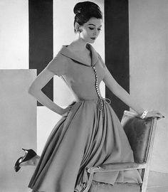 Dovima, Harper's Bazaar, March 1959   flickr skorver1