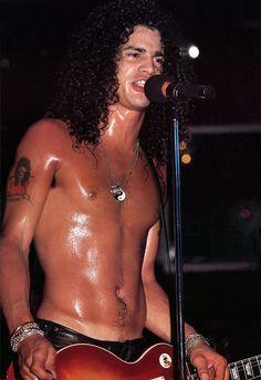 Slash - Guns N' Roses, Hollywood Rose, Slash's Blues Ball, Slash's Snakepit, Velvet Revolver, Michael Jackson, Myles Kennedy