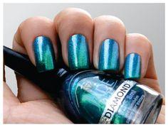 Ninja Polish - Jade Holografico and Diamond polishes from Brazil