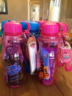 Emma's Birthday - Rock climbing party favors: water bottle w/carabiner hand sanitizer, pop rocks, Clif bar, rock candy stick, 2 flavored water packets Barbie Birthday Party, 10th Birthday Parties, Barbie Party, Birthday Party Favors, 8th Birthday, Sleepover Party Favors, Luau Favors, Birthday Ideas, Glow Party