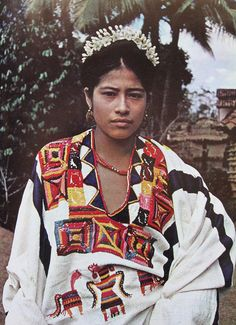 This young bride is wearing a huipiles in Oaxaca Mexico We Are The World, People Around The World, Folklore, Folk Costume, Costumes, Estilo Hippie, Mexican Style, Ethnic Fashion, World Cultures