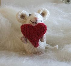Valentine Mouse finished toy or knit pattern by ViolaSueKnits on Etsy Crochet Mouse, Knit Or Crochet, Crochet Crafts, Pet Mice, Baby Mouse, Knitted Animals, Christmas Mood, Knitting For Beginners, Along The Way