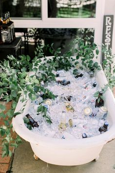 Have a Drink: Brilliant Ideas to Serve Drinks at a Wedding or Party - Green Wedding Shoes Beer Wedding, Wedding Reception, Wedding Venues, Drinks At Wedding, Wedding Drink Table, Wedding Hair, Diy Wedding Bar, Rustic Wedding Foods, Wedding Book