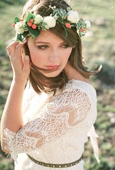 Ivory floral crown | Photo by Cara Leonard