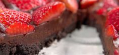 No-bake strawberry chocolate tart