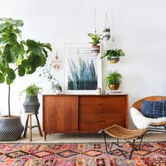 Hanging plants are a gorgeous way to utilize all your indoor space, but if you barely find time to brush your teeth (let alone water your plants), consider the logistics. Display them in...
