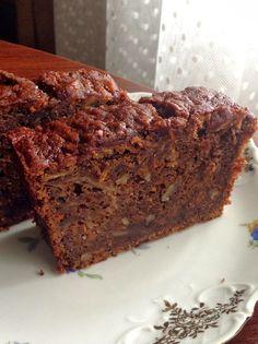 Çok Lezzetli Bir Kek, Deniz'in favori keki... Kakaolu-Havuçlu Kek Malzemeler; - 3 yumurta - 1/2 pk. erimiş tereyağ - 1 + 1/...